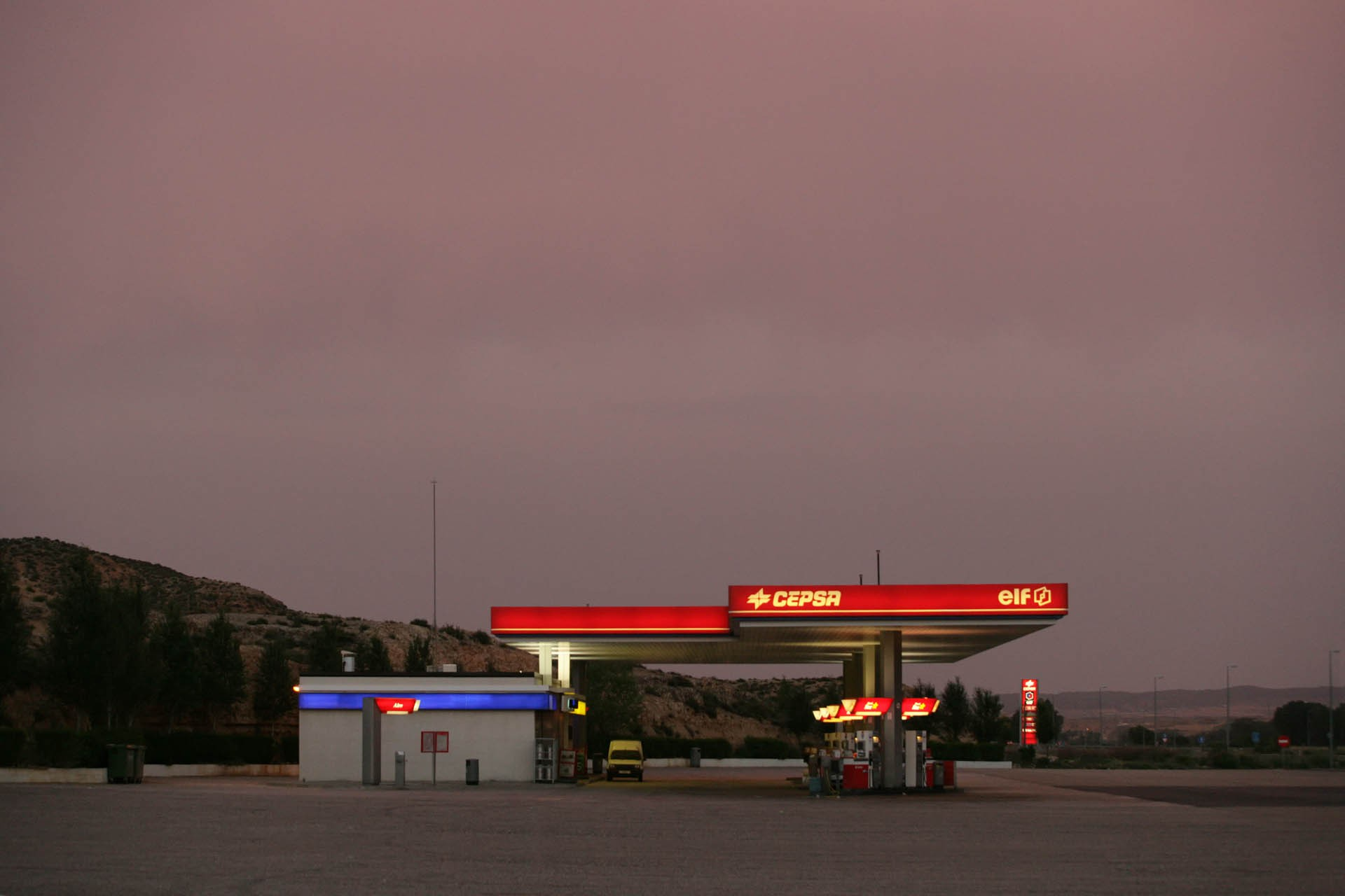 Fuel station CEPSA, ELF, Spain © Pascal Amos Rest